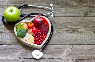 Dieta przy wysokim ciśnieniu. Co jeść, a czego unikać?