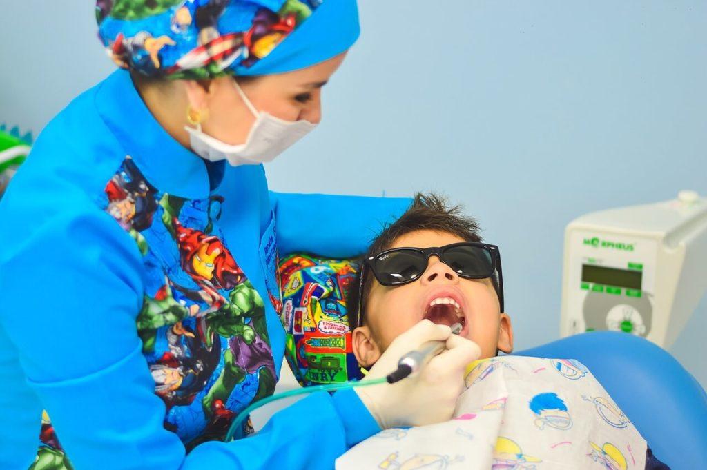 Idziemy z dzieckiem do dentysty