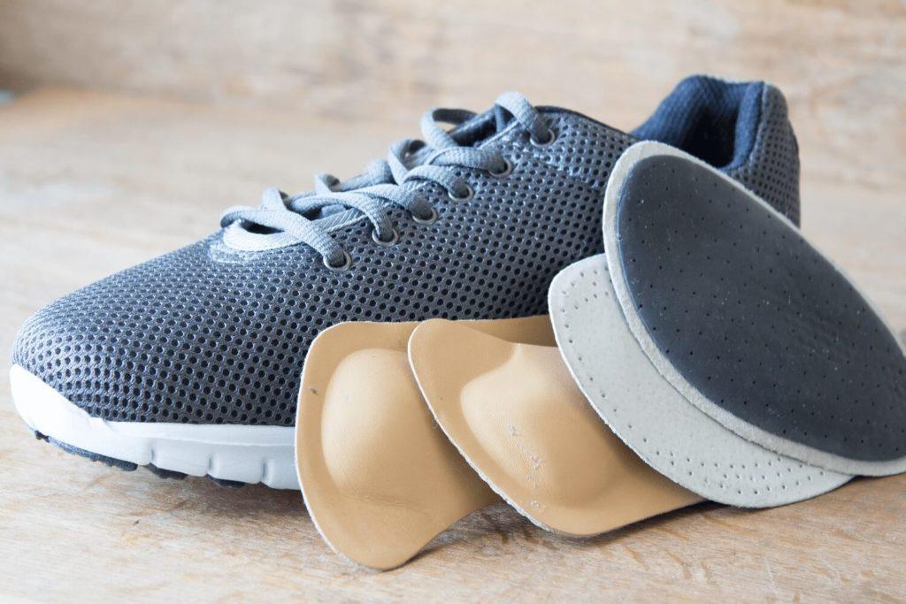 Buty ortopedyczne – komu pomagają?